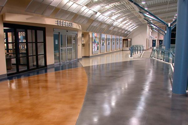 полы на вокзалах